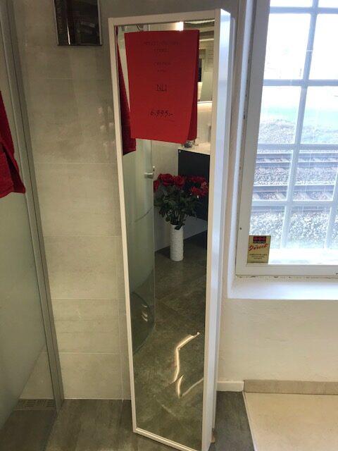 Kakel och Badbutiken Eurogolv Spegelförvaring INR